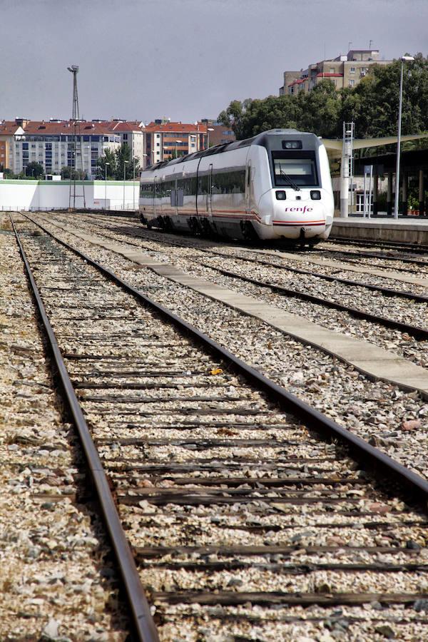 Convoyes extreme os y la estaci n de tren de c ceres hoy - Estacion de tren puerto de santa maria ...