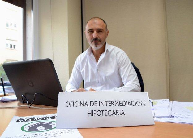José Antonio Pajuelo, en su despacho de la avenida de Europa. :: Casimiro Moreno