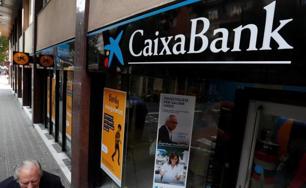 Caixabank opta por valencia para cambiar de sede por la for Oficinas caixabank madrid