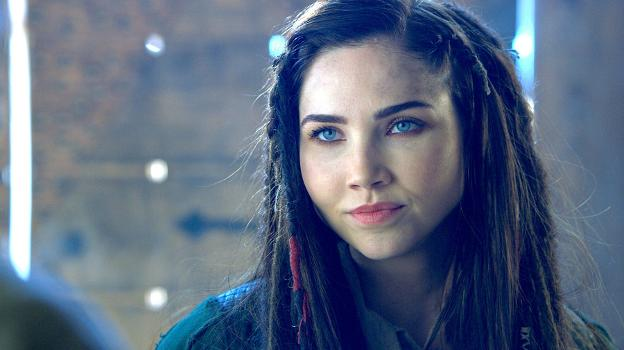 Jessica Green, en 'The Outpost'. :: SYFY/