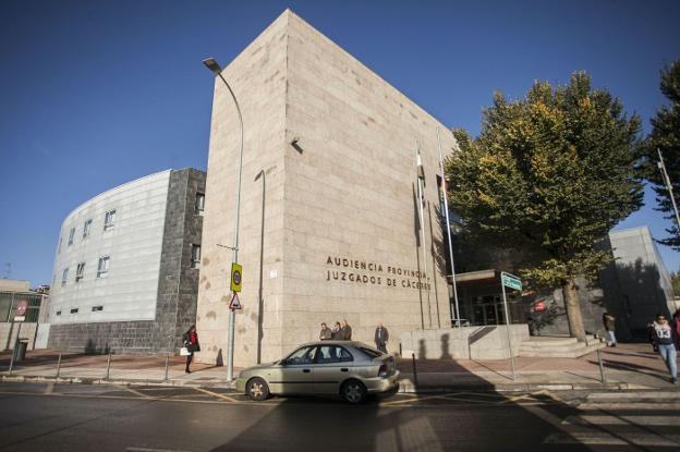Los abogados de familia denuncian la precaria atención judicial en la provincia de Cáceres