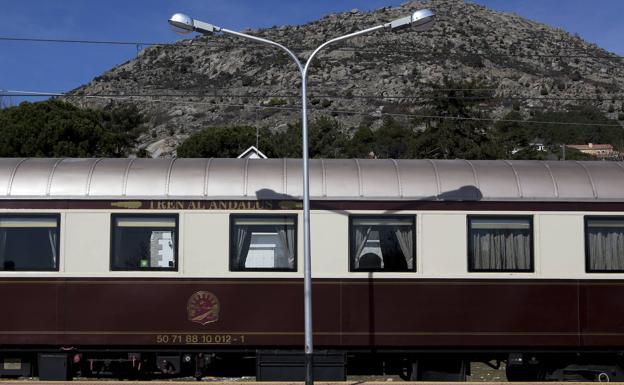 Renfe recupera trenes turísticos