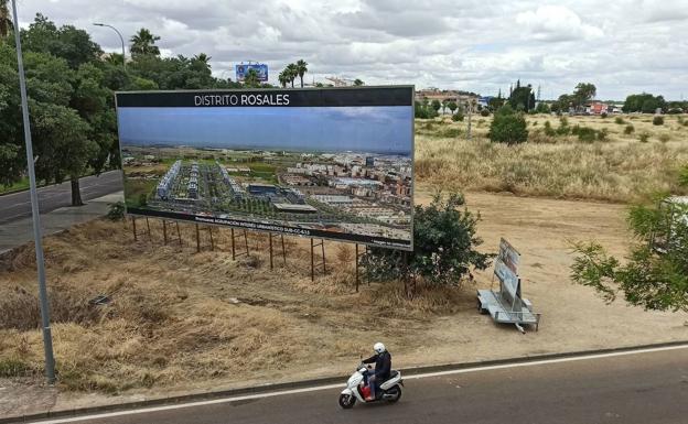 Cartelera anunciando la nueva urbanización del distrito de Rosales en la vía a Olivere./casimiro moreno