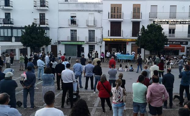 Ipal propone la dimisión de los concejales para que la Diputación gestione el Ayuntamiento