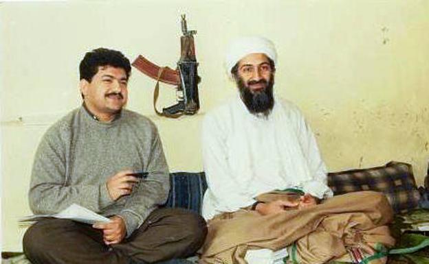 Larawan mula sa isa sa mga panayam ni Hamid Mir kay bin Laden / R.  NS.