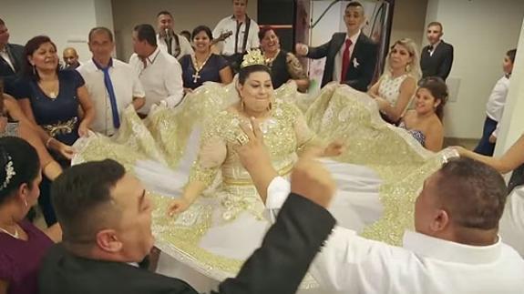 la boda gitana bañada en oro que arrasa en la red | hoy